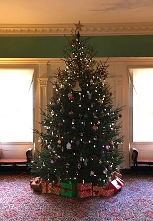 "Belle Grove Plantation Christmas Tours ""O Tannenbaum—A Festival of Trees"""